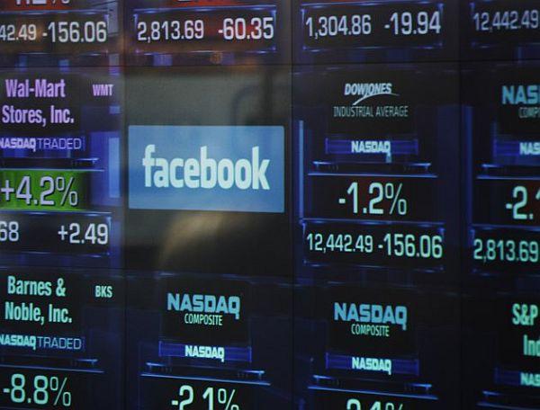 Facebook sigue cayendo y vale la mitad menos que en mayo