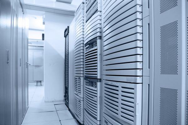 Apache en el porcentaje más bajo de uso en servidores