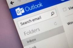 Microsoft deja de dar soporte en Outlook al servicio de chat de Google y Facebook