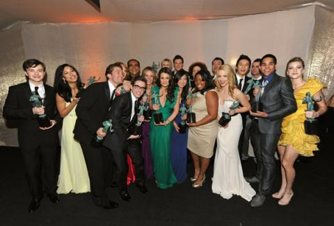 glee-cast-the-sag-awards-2010-glee-10057486-600-406.jpg