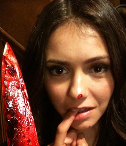 Nina Dobrev llena de sangre en el rodaje The Vampire Diaries