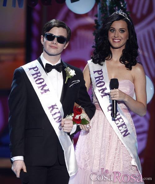 Katy Perry y Chris Colfer, presentando en los Teen Choice 2010