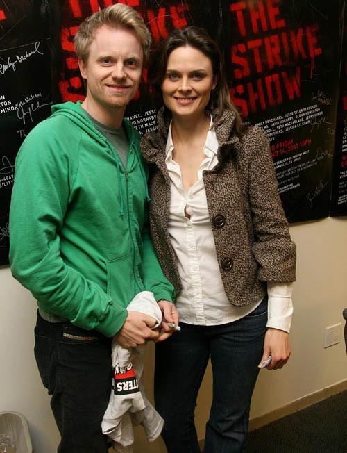 Emily Deschanel y su esposo