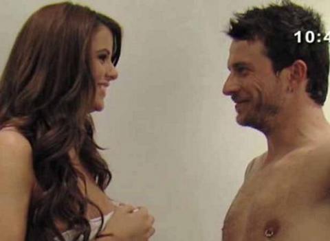Arantxa y Arturo posan para desnudos para la revista Primera Línea