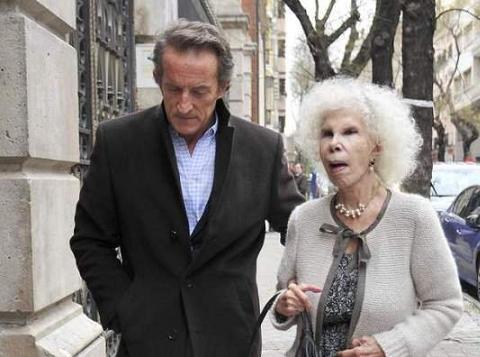 La Duquesa de Alba no aprueba la credibilidad de la serie basada en su vida