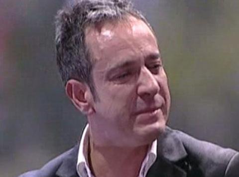 Víctor Sandvoal, busca de nuevo el amor, y recibe la ayuda de una psicóloga en La Noria