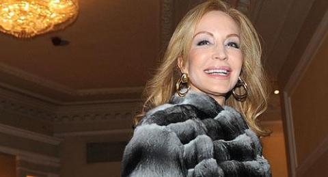 Carmen Lomana no se marcha a Antena 3