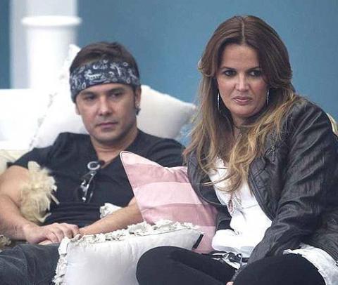 Guti apoya a su amiga Marta López en Enemigos Íntimos por su polémica amistad con Coyote Dax