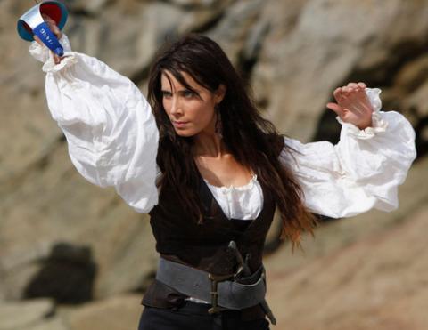 Pilar Rubio confía en el éxito de la serie Piratas