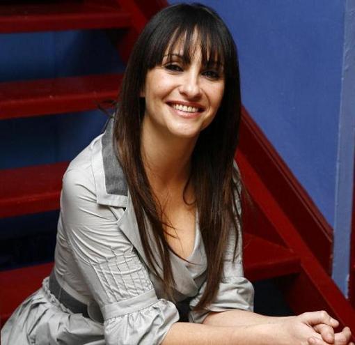 Melani Olivares en Qué tiempo tan feliz