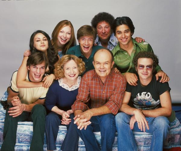 Mila kunis y Ashton Kutcher en el 25 aniversario de Fox.