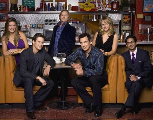 CBS dará un capítulo 100 a las reglas del compromiso