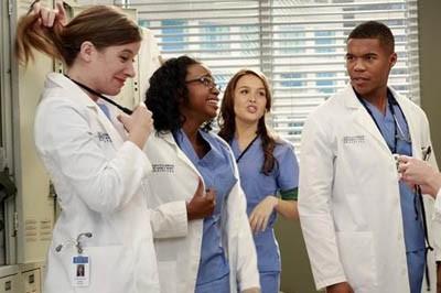 Cuatro actores se convierten en regulares en la décima entrega de Anatomía de Grey