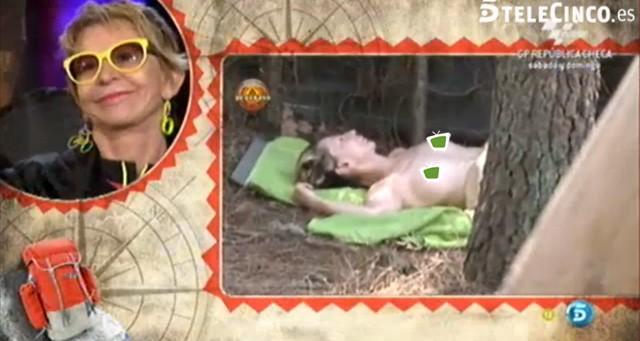 El topless de Karmele, la meditación de Pocholo y la agresividad de Esteban en Campamento de verano
