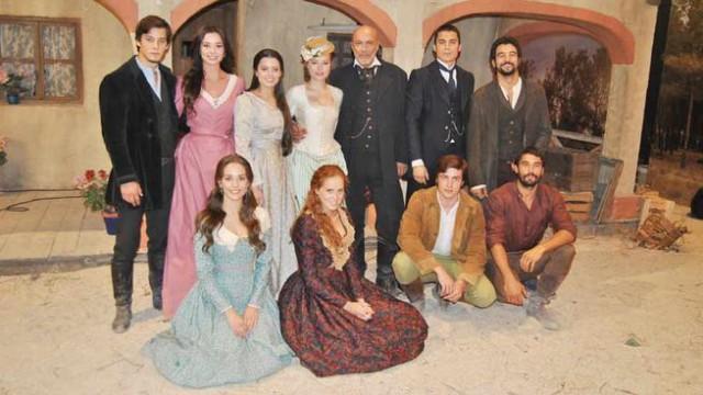 Tierra de Lobos estrena su tercera temporada el martes