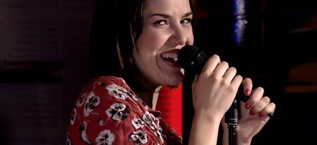 Vive cantando puede con España a ras de cielo y Tierra de Lobos