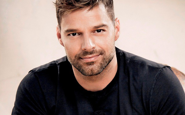 Ricky Martin en Qué tiempo tan feliz