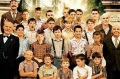 Los chicos del coro, cine de domingo, en Telecinco