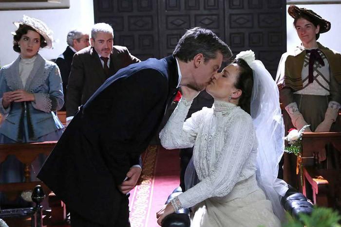 Acacias 38 se va de boda por partida doble