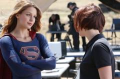 Supergirl lidera en su estreno en Antena 3 que vuelve a superar a Telecinco