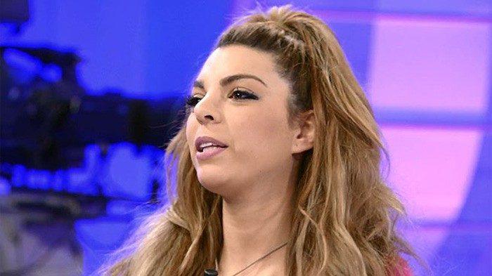 """Ana """"anginas"""", de Mujeres y Hombres y Viceversa, se desnuda en Interviú"""