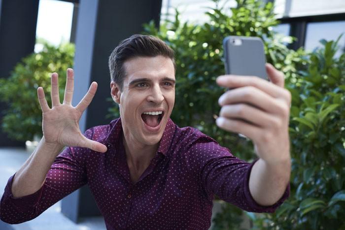Cuatro ultima el estreno de Hazte un Selfi con Uri Sabat