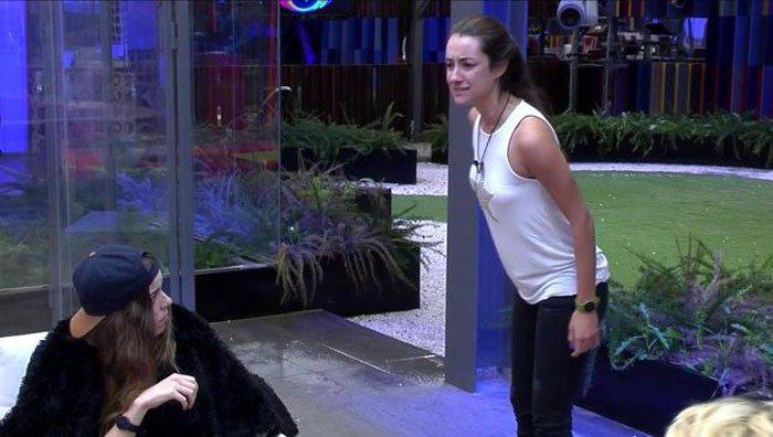 Adara pierde los nervios tras saber que Miguel se ha declarado a Pol