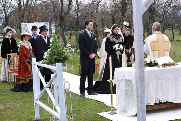 Acacias 38 emite hoy la boda de Teresa y Fernando teñida de luto