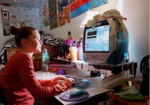 Más de 800 madres pueden consultar sus dudas por videoconferencia