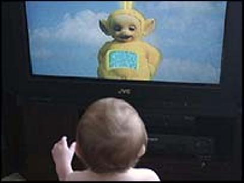 La televisión puede retrasar el desarrollo del lenguaje del bebé