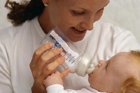 Mentiras y exageraciones sobre la lactancia artificial