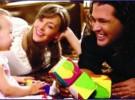 La primera familia embajadora de Unicef: Carlos Vives, su esposa y su hija