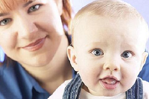 Los bebés cuidados en casa de terceras personas suelen tener más peso