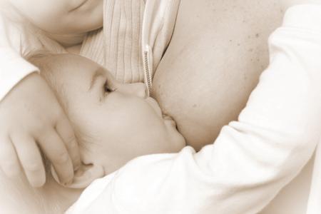 la lactancia maternal y algunos falsos mitos