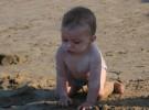 Es peligroso utilizar protector solar en bebés menores de seis meses