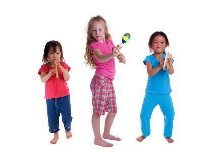 nenas bailando