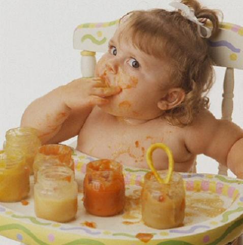 Cuando enseñarle buenos modales al bebé