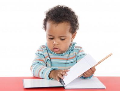 Llanes entregará packs de iniciación a la lectura para bebés