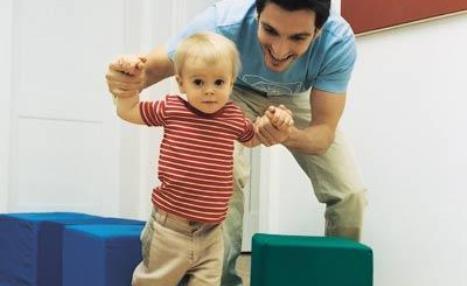 estimular a nuestro bebe para iniciarse a andar