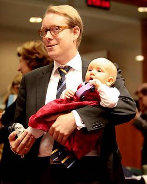 Una niña de nueve meses en el Consejo de Ministros europeo