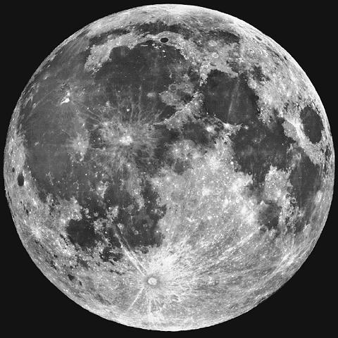 La luna, las tormentas y el parto