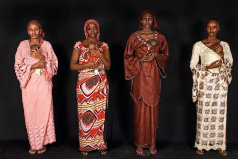 Aplican el método Canguro, en Senegal, para salvar a cientos de bebés