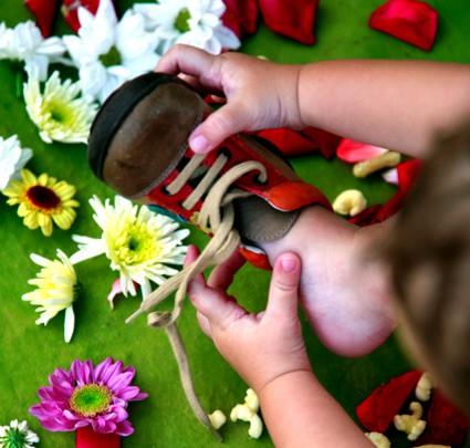 Diversidad de zapatos inteligentes para los niños