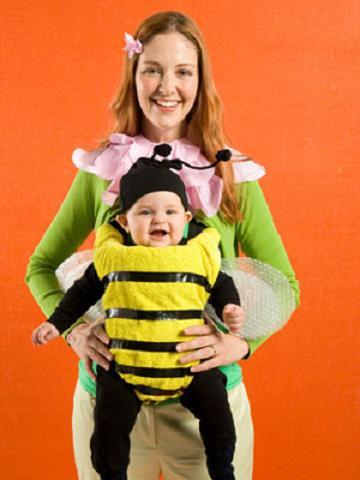 Carnaval: Disfraz casero de abeja para el bebé y de flor para mamá