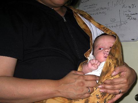 Los portabebés pueden ser peligrosos y causar asfixia