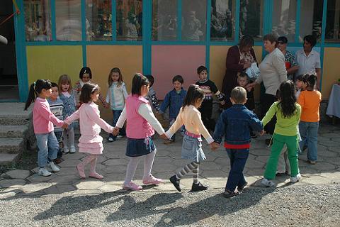 200 millones de euros para crear plazas infantiles en toda España