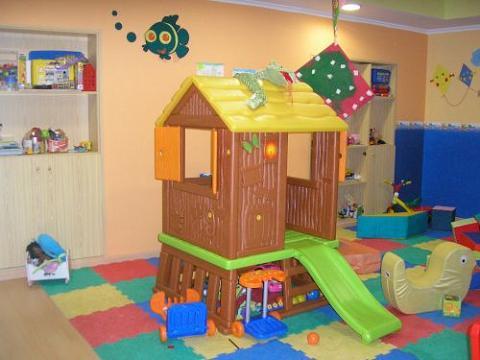 La comunidad crea una Escuela de padres en un centro de menores de Madrid