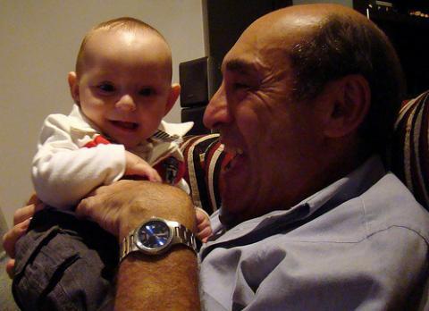 Bebés terapéuticos de látex como terapia para ancianos