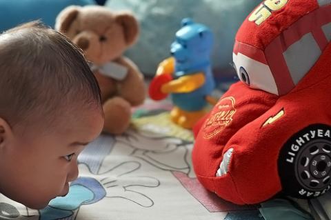 Los niños de dos años identifican marcas comerciales