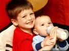 Cuantos biberones y cuanta leche puede tomar el bebé